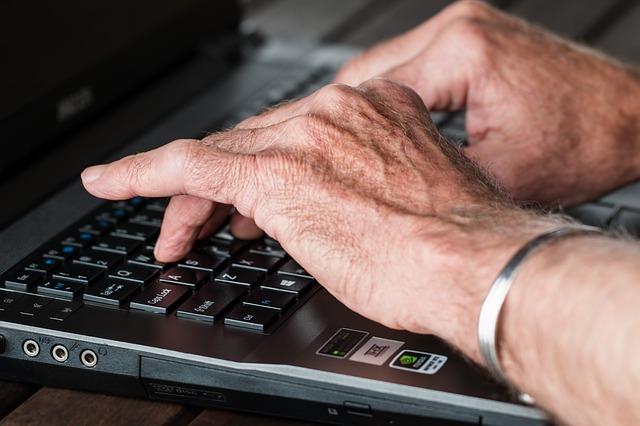 Cómo buscar y contratar un redactor freelance