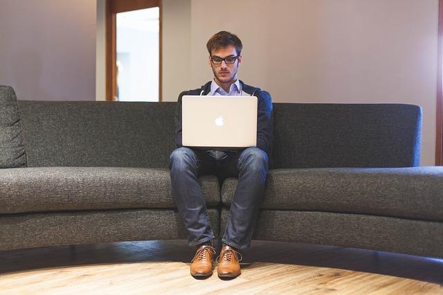 Lo que debes saber para convertirte en un redactor autónomo en España